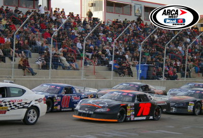 Macs and SuperSeal cars on the front row to start 2009